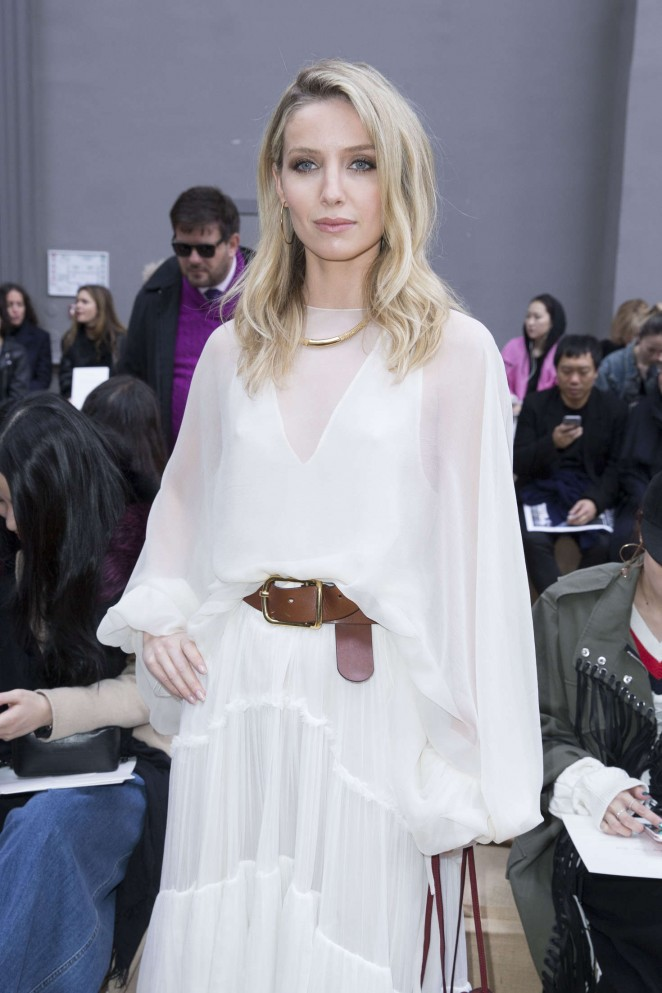 Annabelle Wallis - Chloe Fashion Show 2016 in Paris