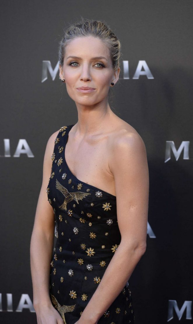 Annabelle Wallis - 'The Mummy' Premiere in Madrid