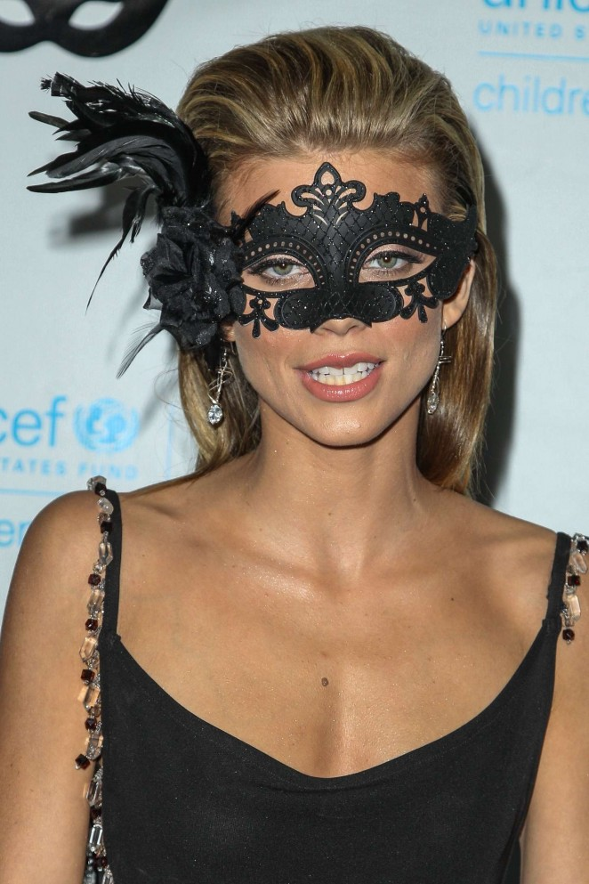 AnnaLynne McCord: 2015 UNICEF Black and White Masquerade Ball -02