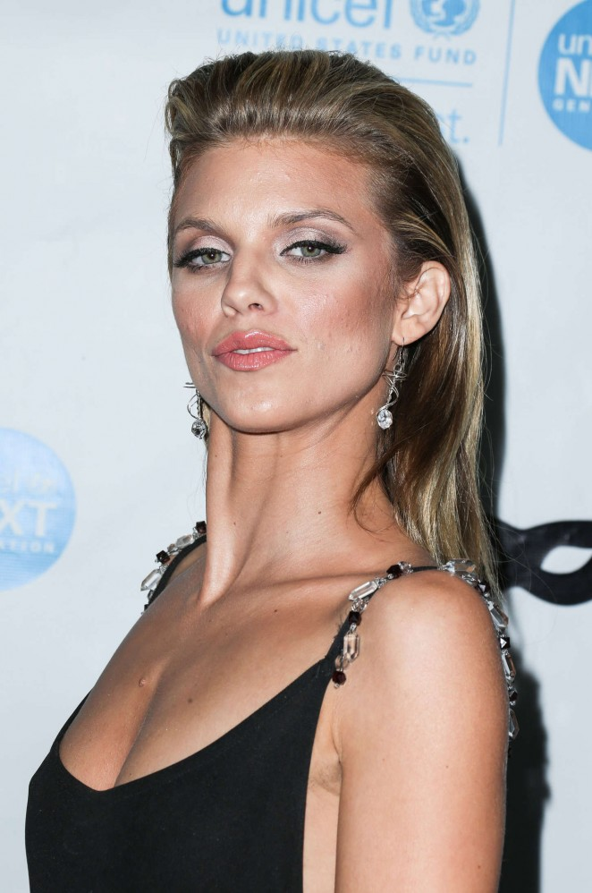 AnnaLynne McCord: 2015 UNICEF Black and White Masquerade Ball -04
