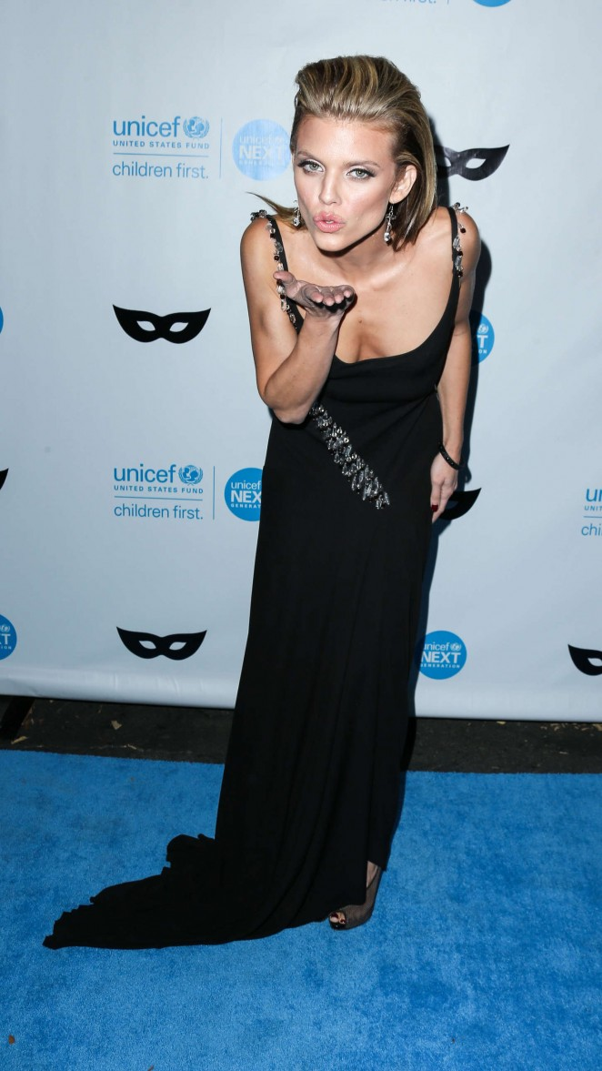 AnnaLynne McCord: 2015 UNICEF Black and White Masquerade Ball -06