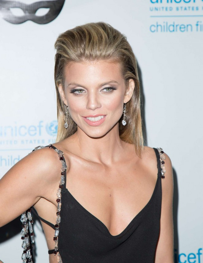 AnnaLynne McCord: 2015 UNICEF Black and White Masquerade Ball -13