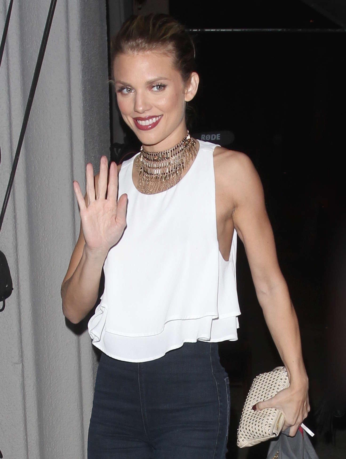 AnnaLynne McCord - Arrives at 'Craig's' restaurant in Los Angeles