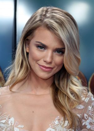 AnnaLynne McCord at Hollywood Today Live -01