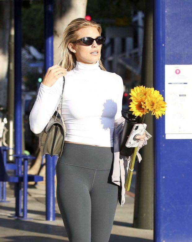 AnnaLynne McCord 2019 : AnnaLynne McCord: Buying flowers in Los Angeles-07