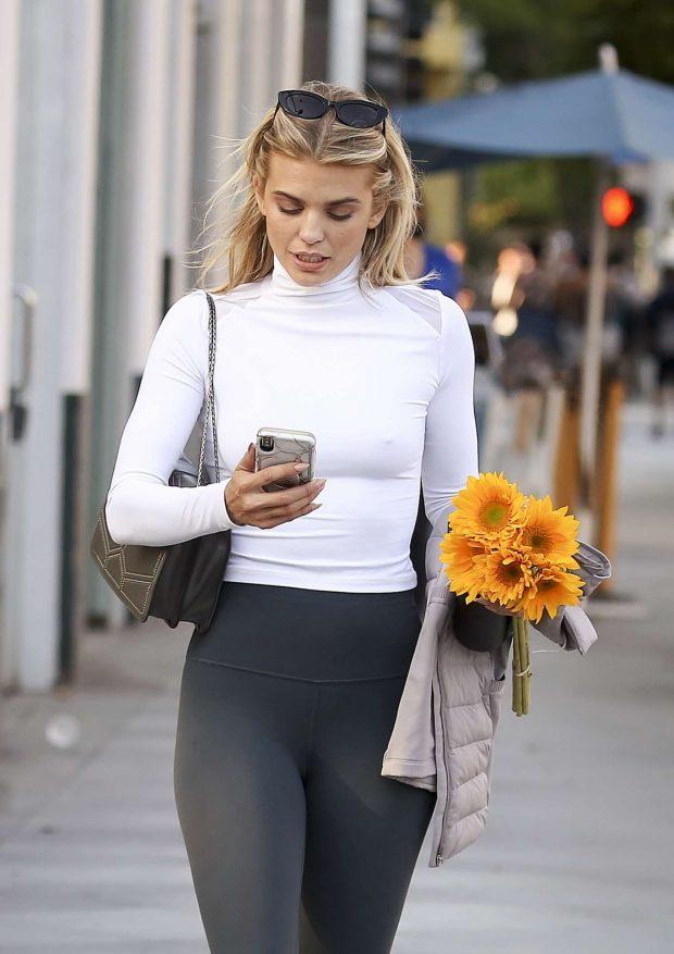 AnnaLynne McCord 2019 : AnnaLynne McCord: Buying flowers in Los Angeles-14