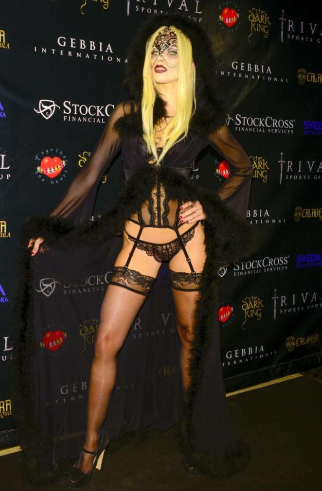 AnnaLynne McCord - Carlton's Halloween Nightmare! in Beverly Hills