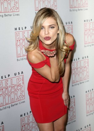 AnnaLynne McCord - HELP USA 2016 Scholarship Awards Luncheon in NYC