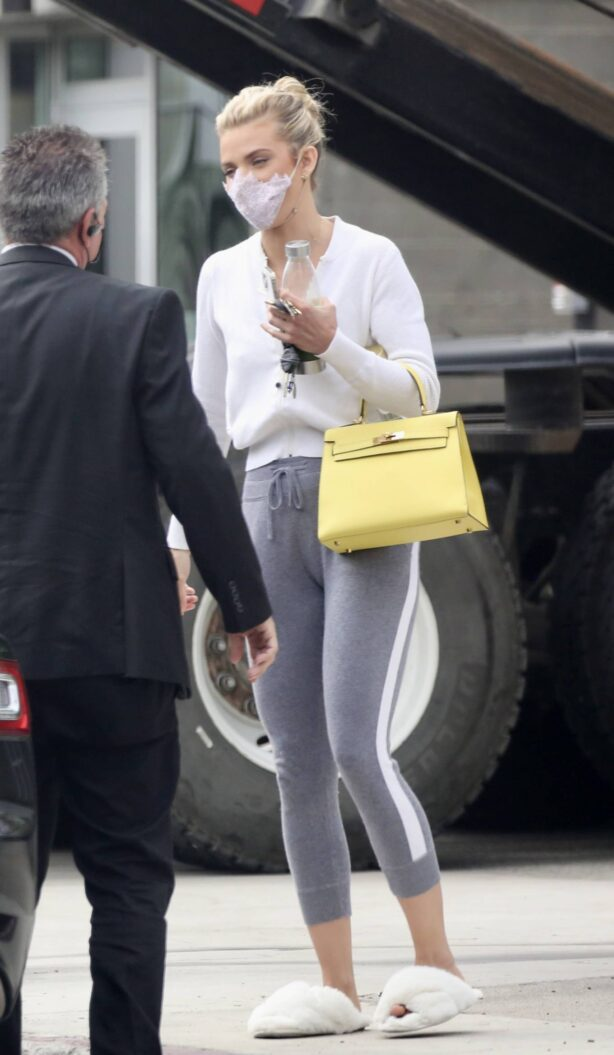 AnnaLynne McCord - In grey leggings out in Los Angeles