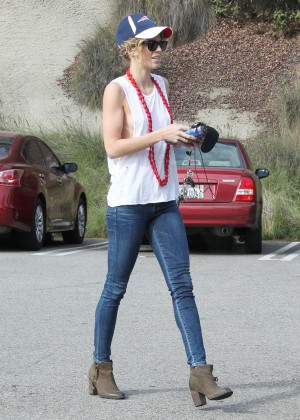 ea86a756eb8 AnnaLynne McCord in Tight Jeans -08 - Full Size