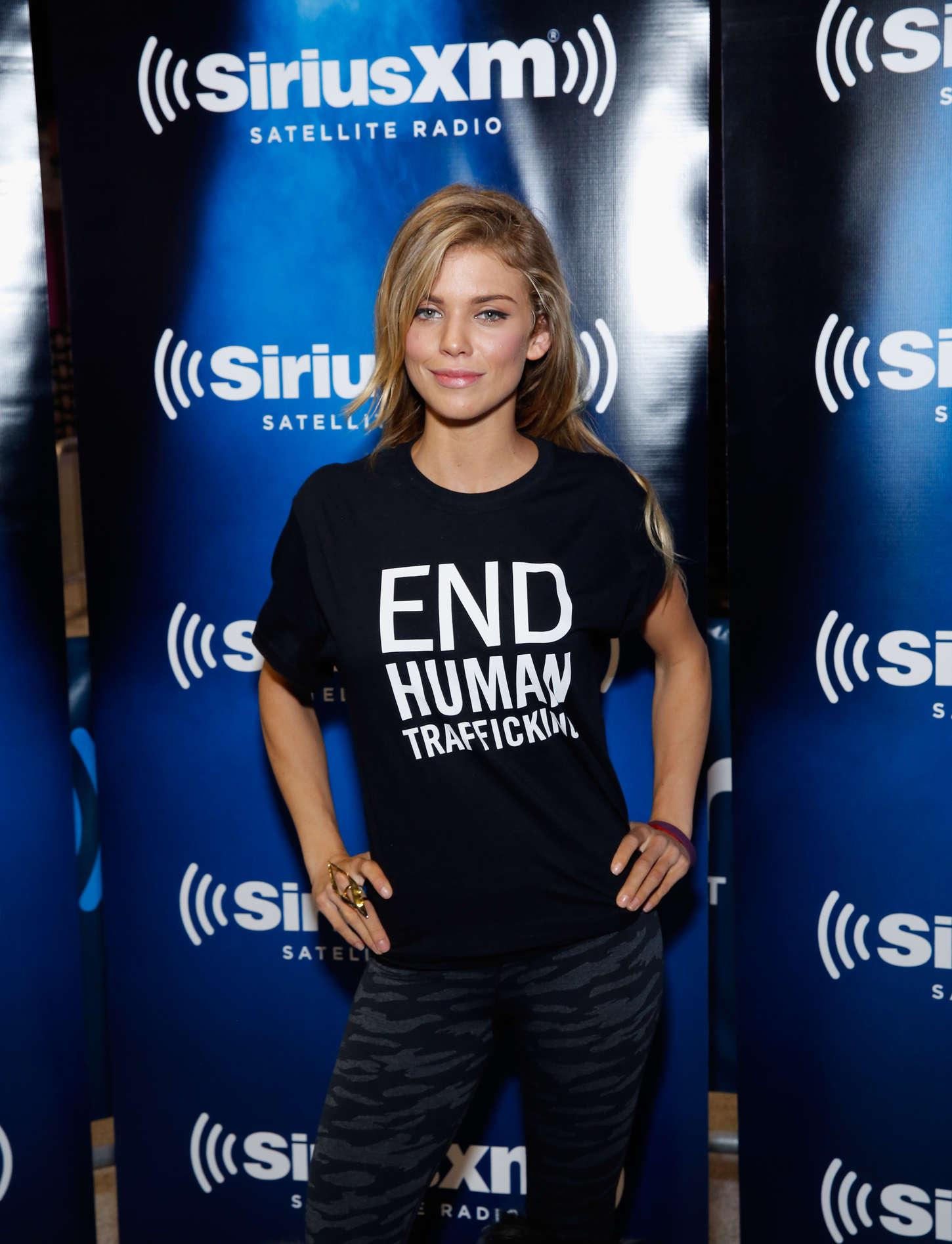 AnnaLynne McCord 2015 : AnnaLynne McCord: SiriusXM at Super Bowl XLIX Radio Row -04