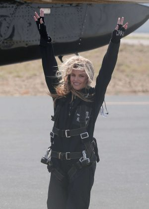 AnnaLynne McCord - Skydives for her charity Together1Heart in Santa Barbara