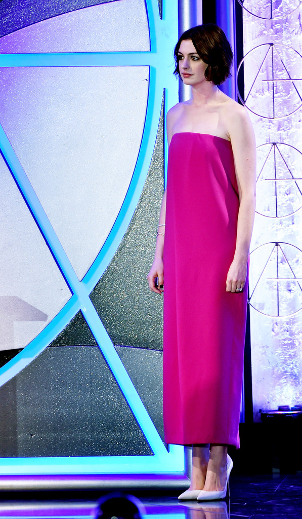 Anne Hathaway: 2015 Art Directors Guild Excellence In Production Design Awards -06