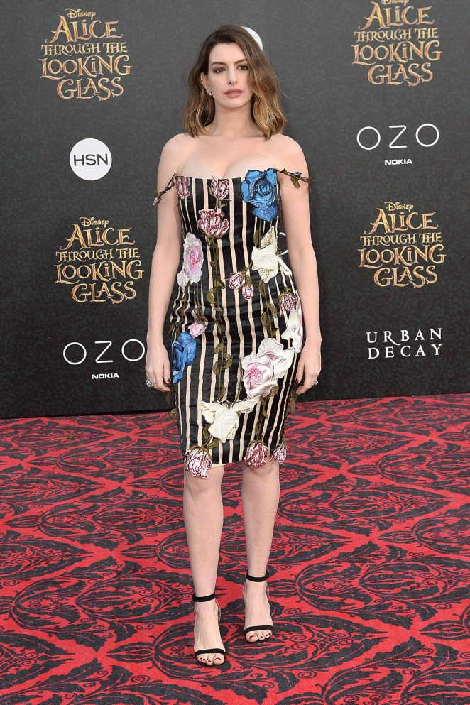 Anne Hathaway: Alice Through The Looking Glass Premiere -07