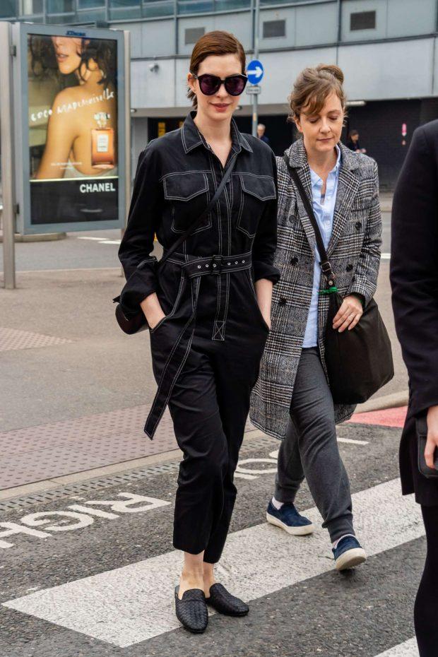 Anne Hathaway at Heathrow Airport -06