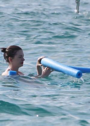 Anne Hathaway in Bikini -20