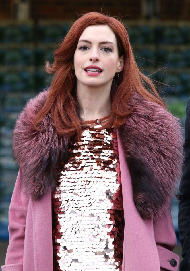 Anne Hathaway - Films a scene for 'Modern Love' in Brooklyn