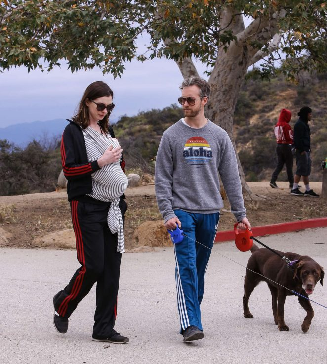 Anne Hathaway: Hiking in Los Angeles -07