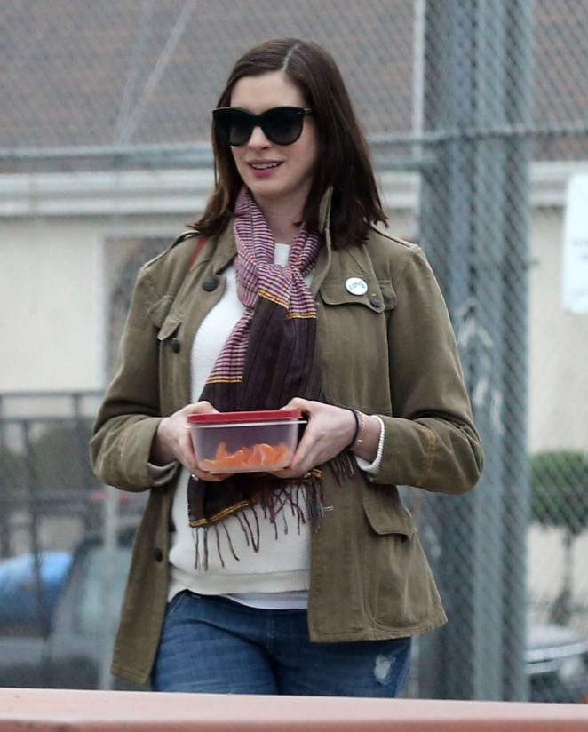 Anne Hathaway In Jeans -08