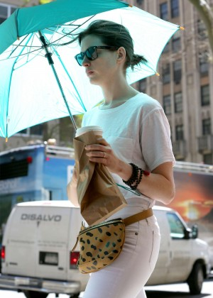 Anne Hathaway: In White Pants Out in NYC-01
