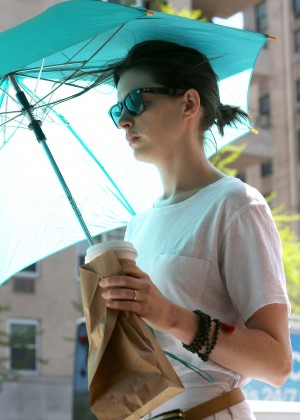 Anne Hathaway: In White Pants Out in NYC-02