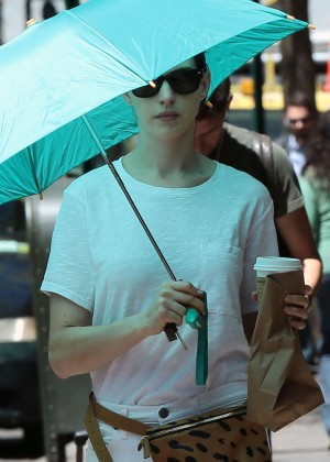 Anne Hathaway: In White Pants Out in NYC-07