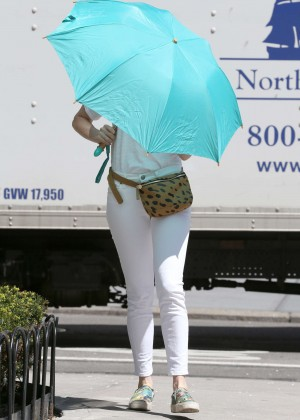 Anne Hathaway: In White Pants Out in NYC-09