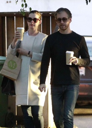 Anne Hathaway - Leaving M Cafe in Los Angeles
