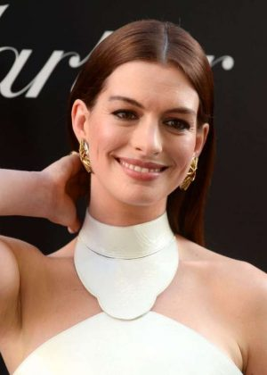 Anne Hathaway - Ocean's 8 Premiere photocall In New York