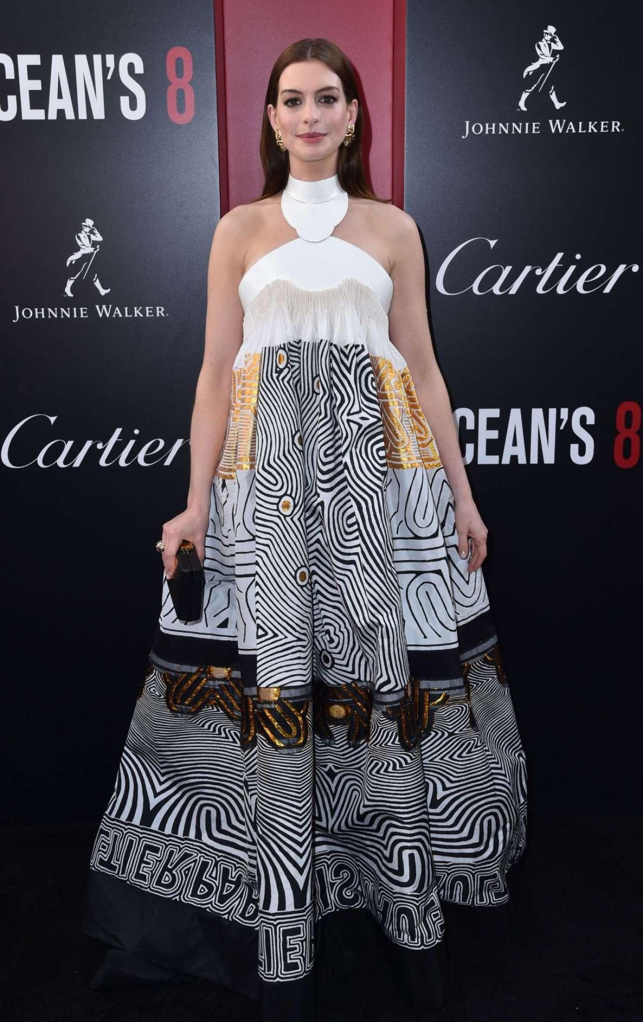 Anne Hathaway 2018 : Anne Hathaway: Ocean's 8 Premiere photocall In New York-14