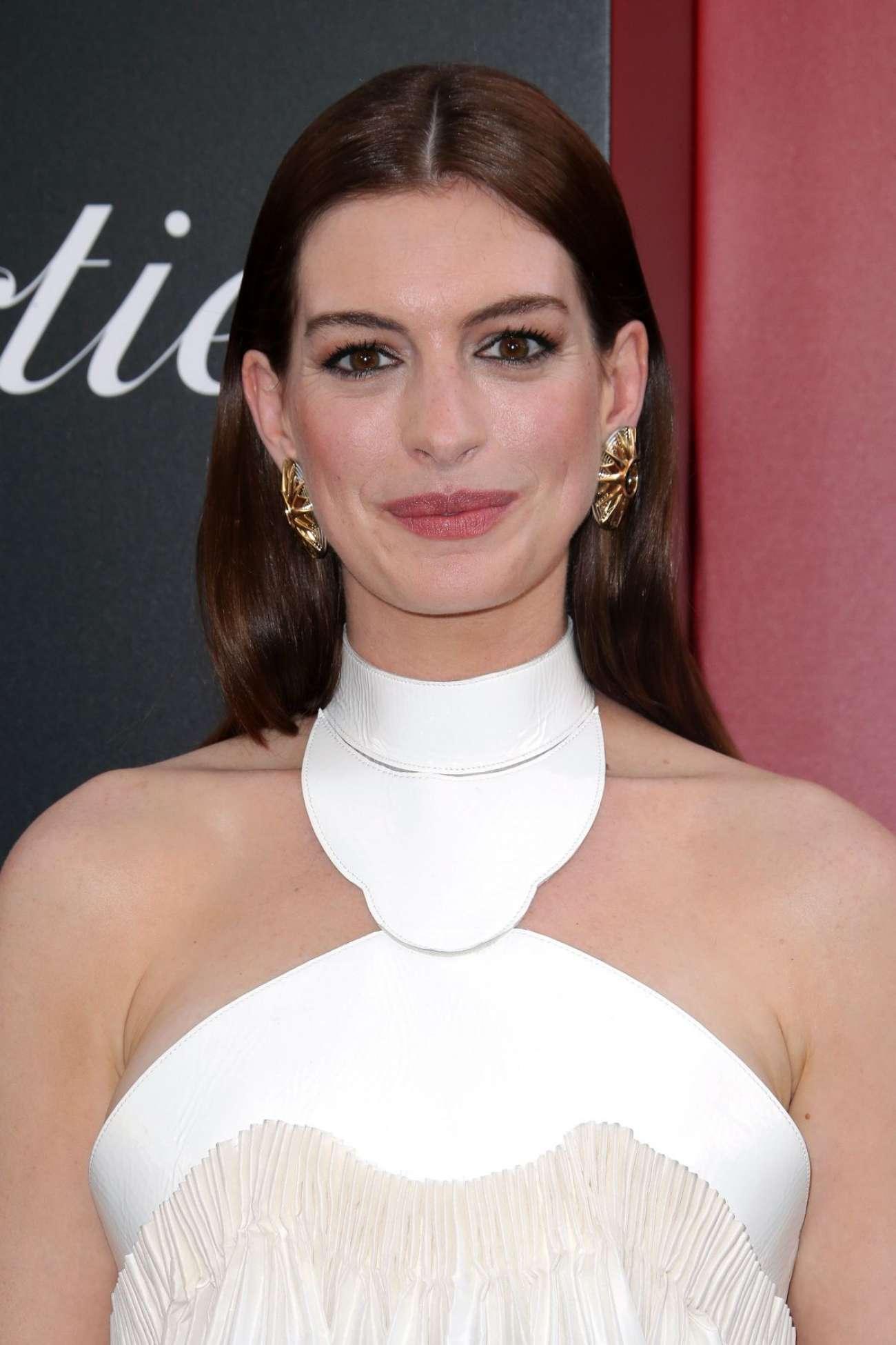 Anne Hathaway 2018 : Anne Hathaway: Ocean's 8 Premiere photocall In New York-17