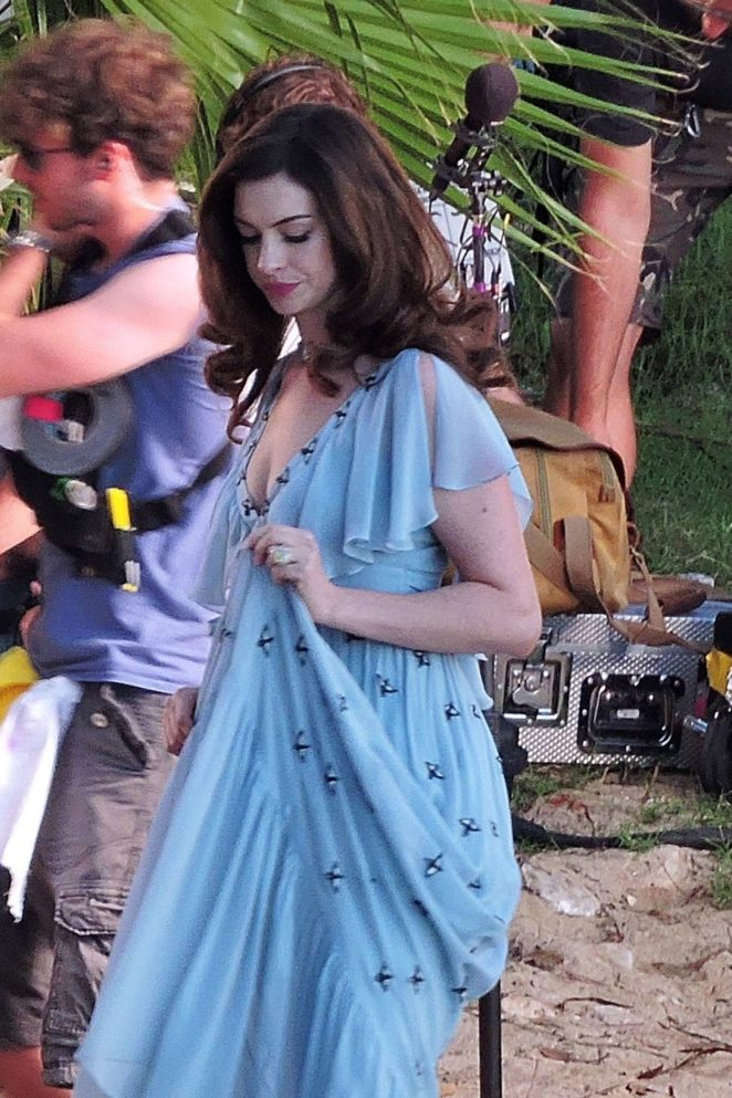 Anne Hathaway - On set of 'Nasty Women' in Mallorca