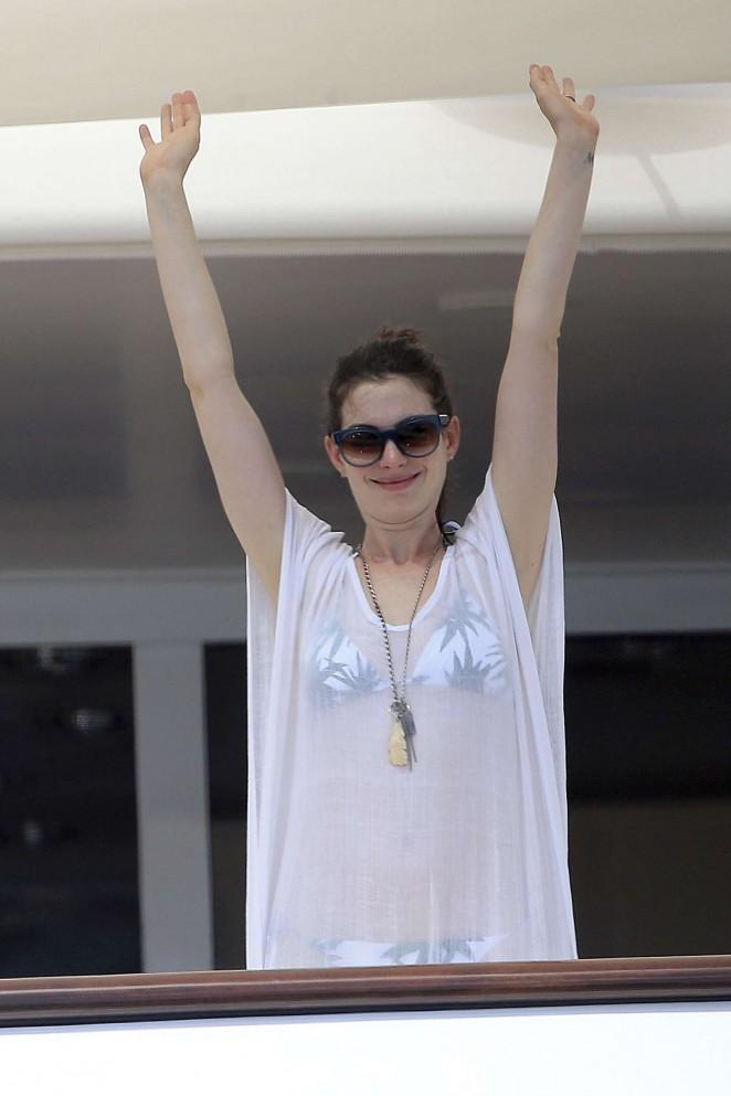 Anne Hathaway in Bikini -04