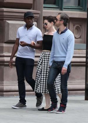 Anne Hathaway in Skirt -08