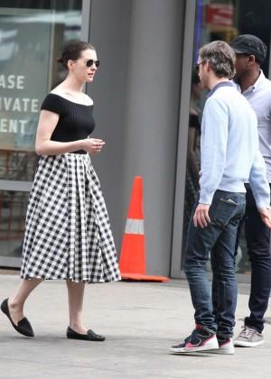 Anne Hathaway in Skirt -09