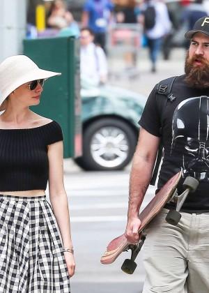 Anne Hathaway in Skirt -15