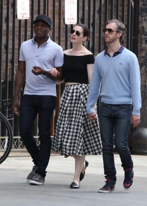 Anne Hathaway in Skirt -23