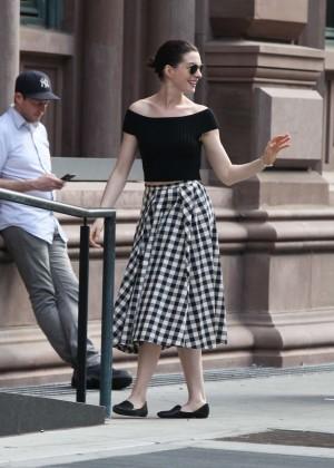 Anne Hathaway in Skirt -25