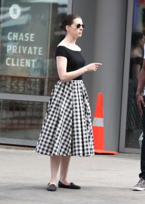 Anne Hathaway in Skirt -27