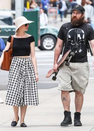 Anne Hathaway in Skirt -29