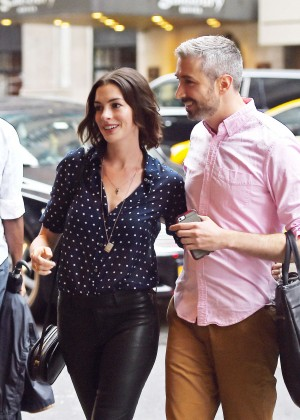 Anne Hathaway in Tight Pants Out in NYC