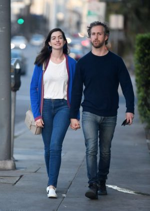 Anne Hathaway out for dinner in Los Angeles