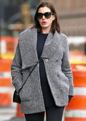 Anne Hathaway out for lunch in NY