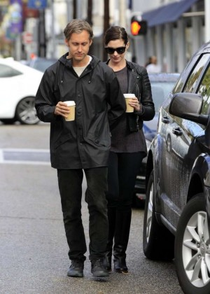 Anne hathaway out in beverly hills for 901 salon beverly hills