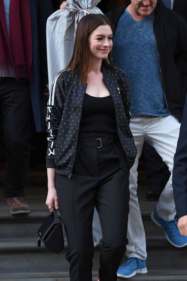 Anne Hathaway - Out in London