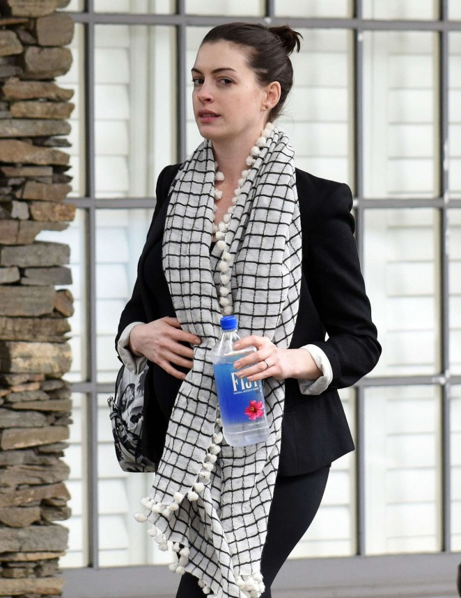 Anne Hathaway - out in Los Angeles
