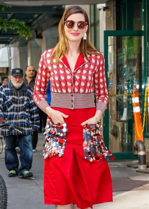 Anne Hathaway - Promoting 'Ocean's 8' in New York City