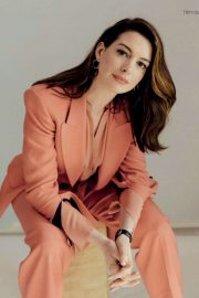 Anne Hathaway - Psychologies UK Magazine (January 2020)