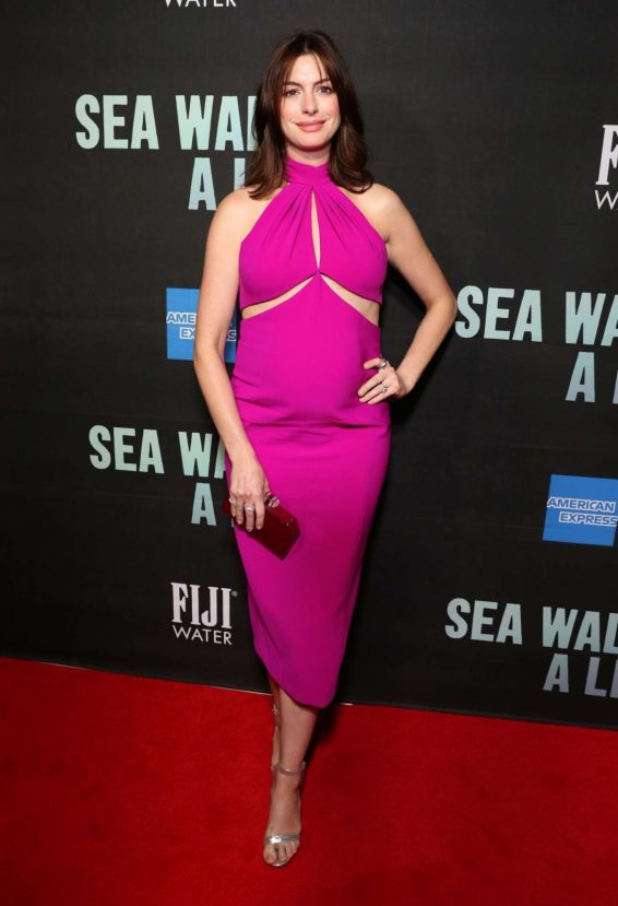 Anne Hathaway 2019 : Anne Hathaway – Sea Wall A Life Opening Night in New York-01