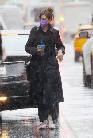 Anne Hathaway - Seen on a rainy day in New York